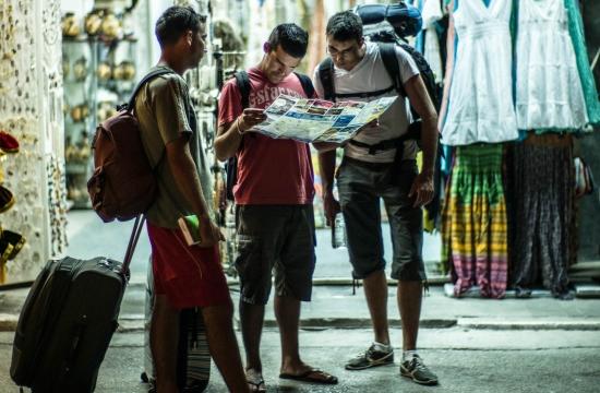 Μια χούφτα άνθρωποι δε μπορεί να κρατούν δέσμιο τον τουρισμό της χώρας