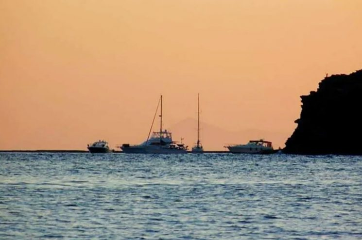 Άνοιγμα τουρισμού χωρίς τουρίστες – Δεν υπάρχουν πρωτόκολλα – Τι λέει ο Λύσανδρος Τσιλίδης στο Newpost